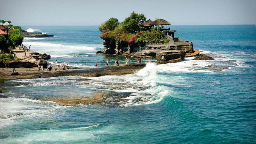 Bali Tour Explore Tanah Lot with Bali tour experts.  We can put together an amazing Tanah Lot tour or any other Bali tour