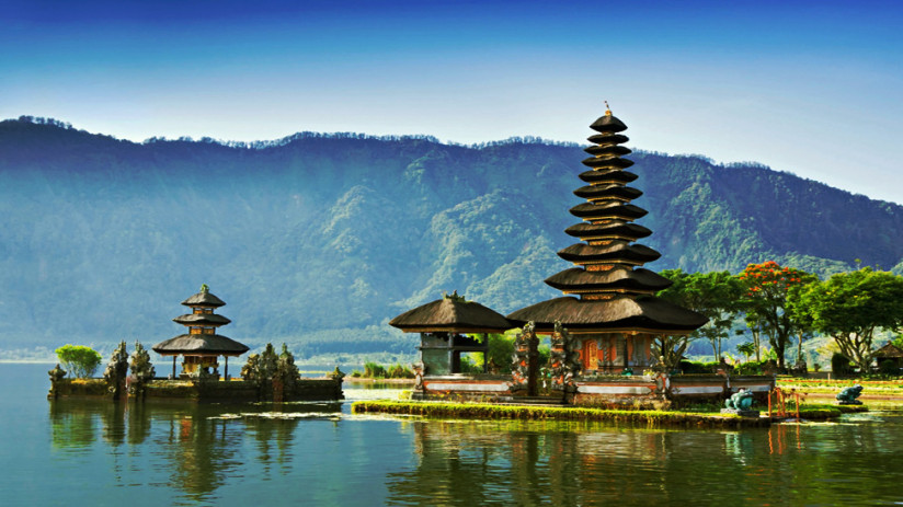 Bali tour Bedugal & Lake Bratan, an amazing Bali tour with many attractions on the route, expertly arranged by Bali Tour Magic at great value for money.