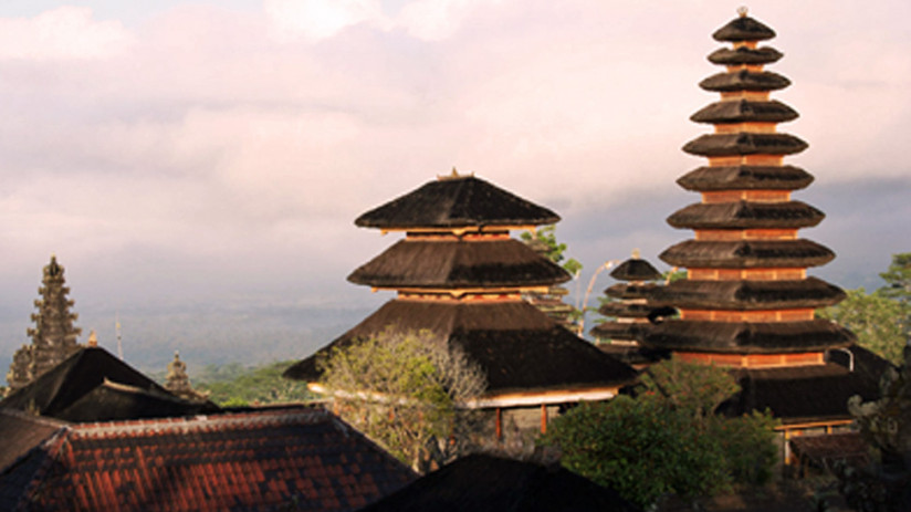 Bali tour: Besakih on Mount Agung is a visually stunning Bali tour, expertly arranged by Bali Tour Magic at great value for money – feel its spirituality!