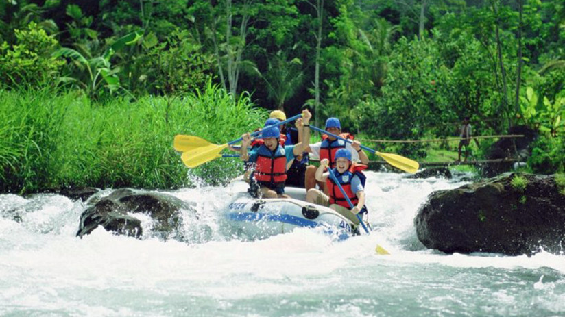 Bali Tour white water rafting, is a safe and fun Bali tour for all ages
