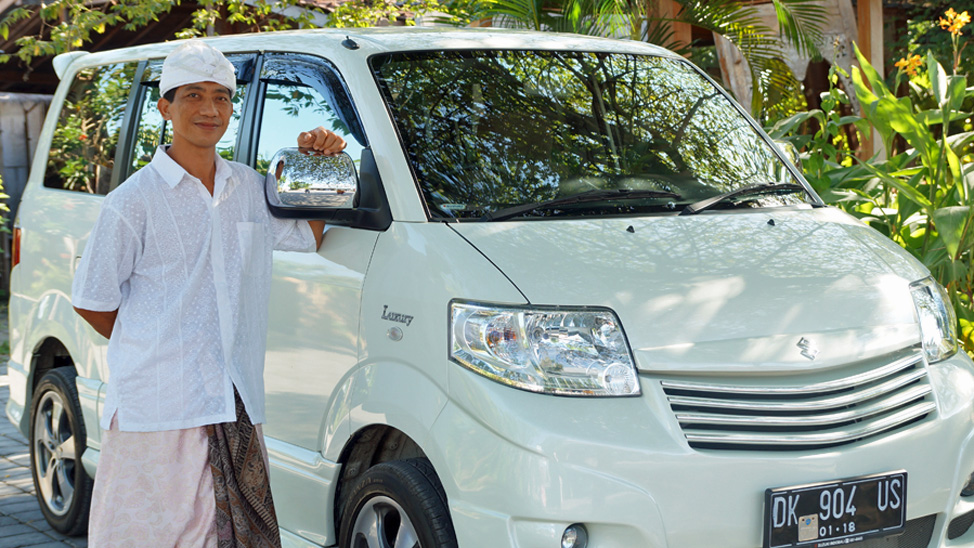 Bali Tour Magic - Owner & driver, Mus with bali tour vehicle