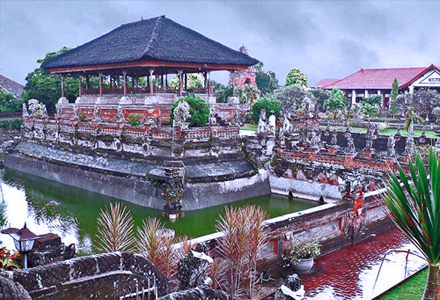 East Bali Tour Kerta Gosa on East Bali tour