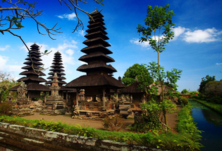 Taman Ayun, take in its beauty on a Tanah Lot tour