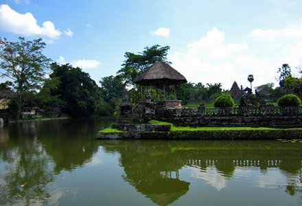 Ubud and Tanah Lot Tour visit Taman Ayun