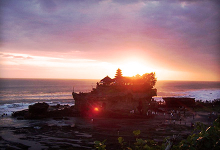 Ubud and Tanah Lot Tour with Tanah Lot at sunset