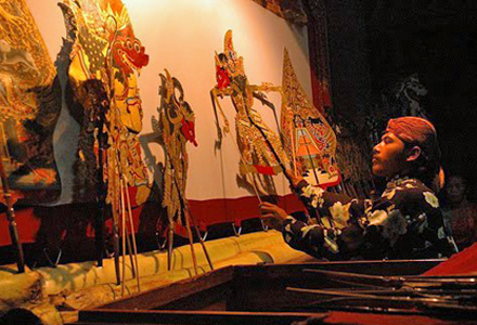 Ubud - Wayang Kulit puppet theatre is a popular cultural experience in Ubud