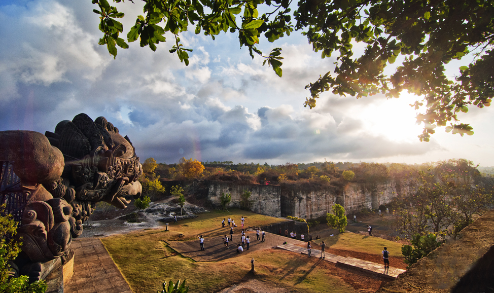things to do in Bali - Garuda Wishnu Kencana Park has panoramic views of South Bali from east to west coasts, and features massive Garuda & Wishnu statues.
