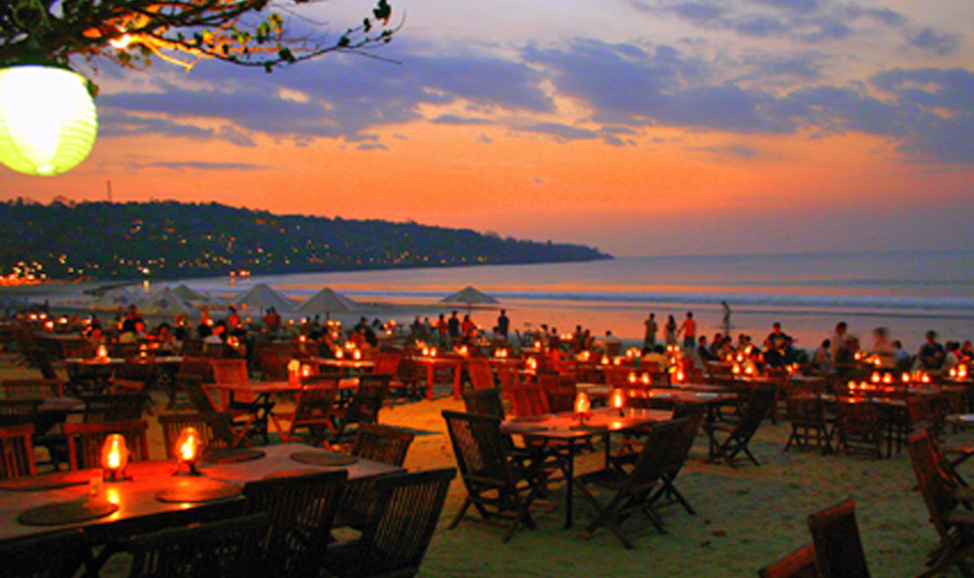 things to do in Bali - Jimbaran beach dining has the best seafood in Bali & a romantic ambience, with beach dining by candlelight on Jimbaran's shores.