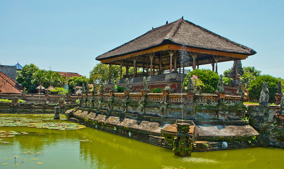 Things to do in Bali - Kerta Gosa, Klungkung, East Bali, Bali's ancient Hall of Justice features ceilings richly decorated with traditional-style paintings.