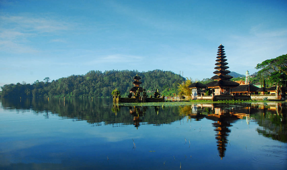 things to do in Bali - Lake Beratan, Bedugul, north Bali