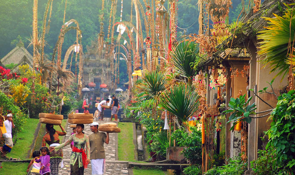 things to do in Bali - Penglipuran, a traditional village in East Bali untouched by modernisation and in perfect harmony with nature.