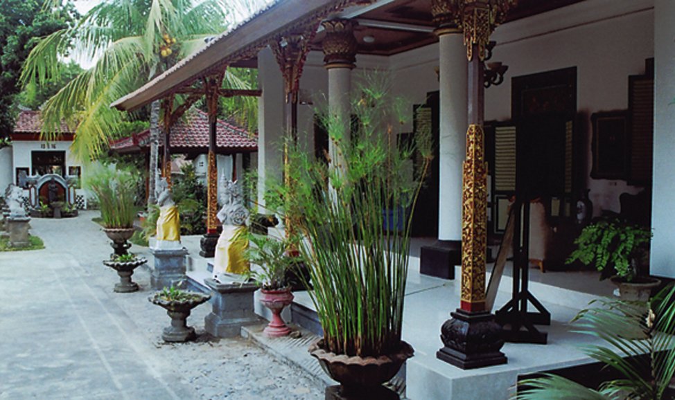 things to do in Bali - Singaraja Royal Place