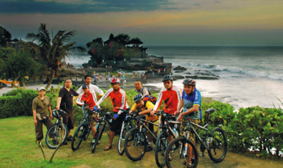 things to do in Bali - Tanah Lot cycling, West Bali is a great way to explore the countryside of Tabanan around Tanah Lot and surrounds.