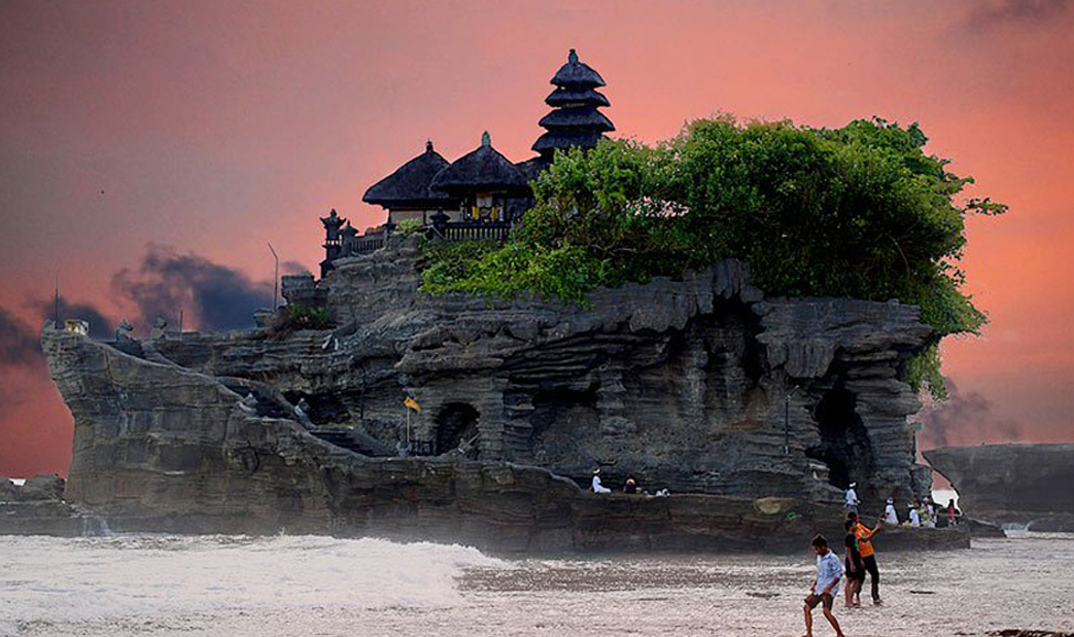 things to do in Bali - Tanah Lot sunset is probably one of the most popular things to do in Bali for romance, or just to de-stress after a busy tour day.