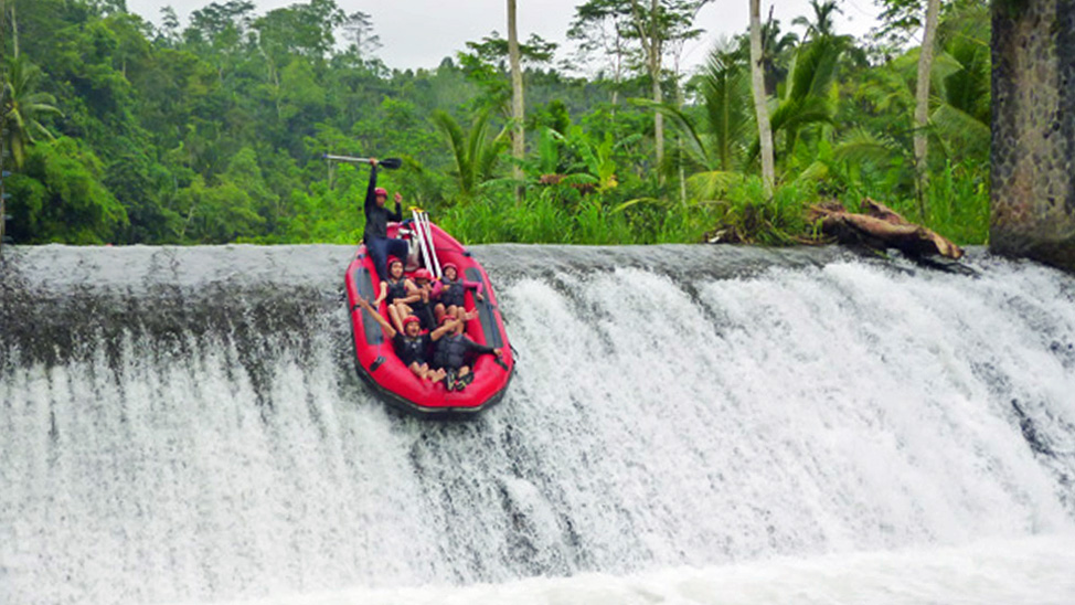 things to do in Bali - raft the Telaga Waja rapids