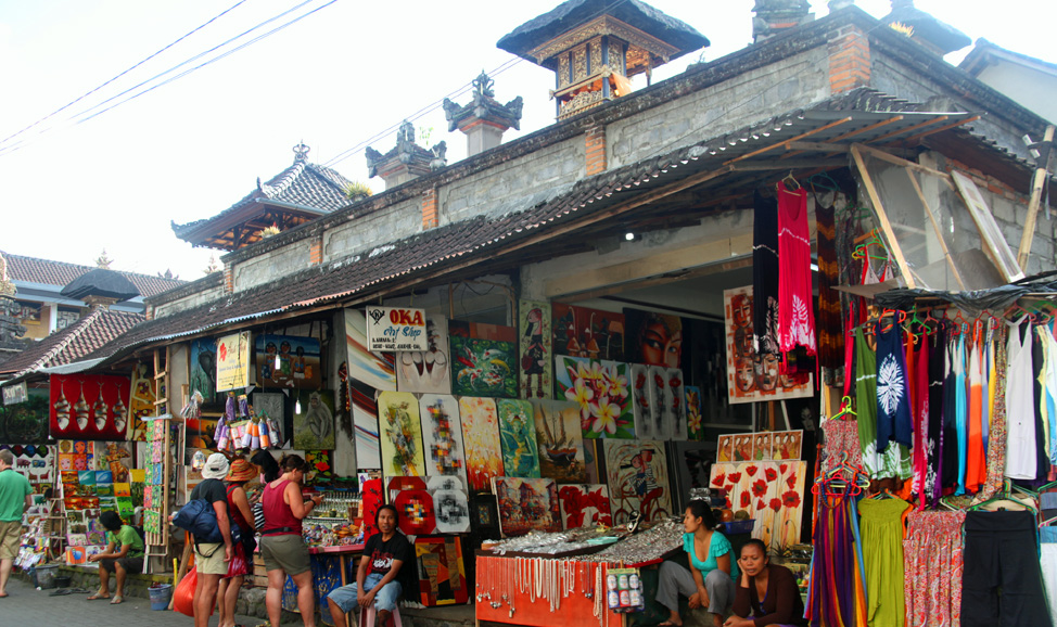 things to do in bali - Ubud Art Market for art and handicrafts . Discover Ubud, Bali's artisan hub, find a bargain, maybe even your own masterpiece.