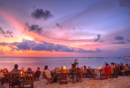 Uluwatu Tour with Jimbaran sunset beach dining